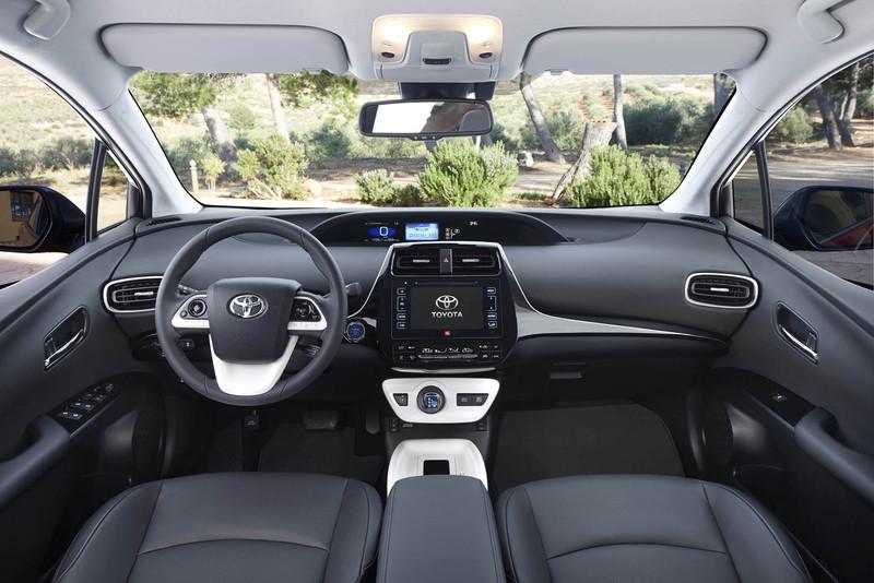 Van Ekris nieuwe Toyota Prius 2