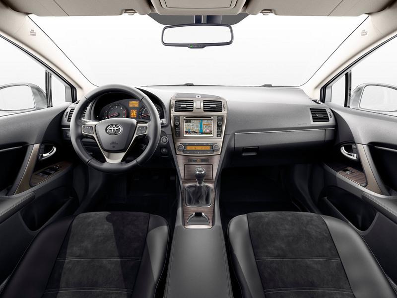 Nieuwe Toyota Avensis 2014 Van Ekris 4